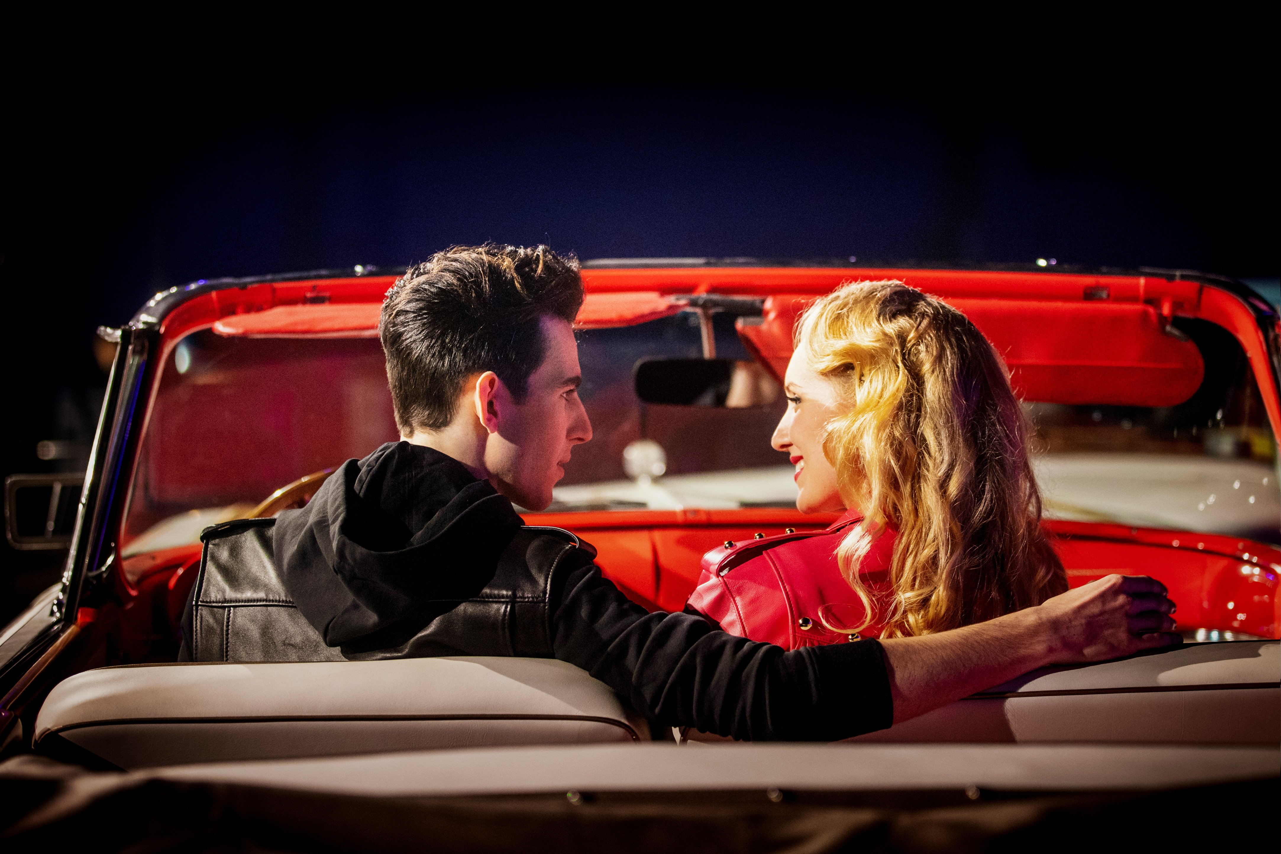 Pablo Ounaskari (Danny) ja Petra Pääkkönen (Sandy)